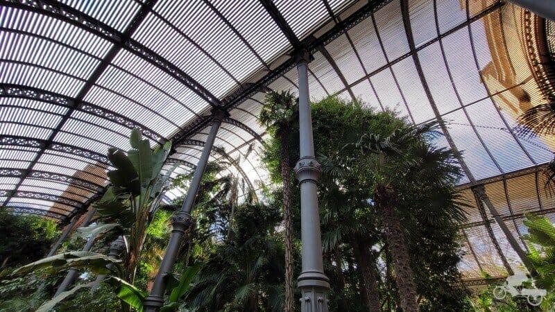 interior umbraculo parque ciutadella