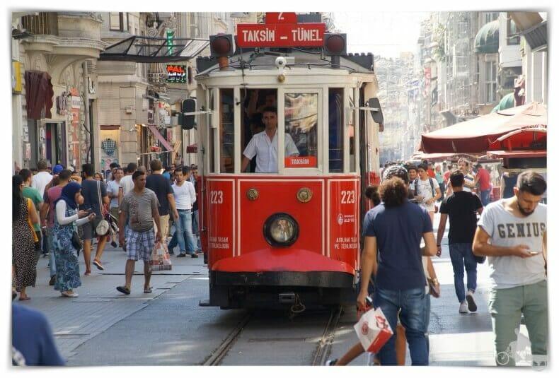 tranvía rojo de Estambul