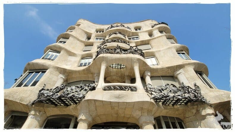 fachada de la Pedrera de Gaudí