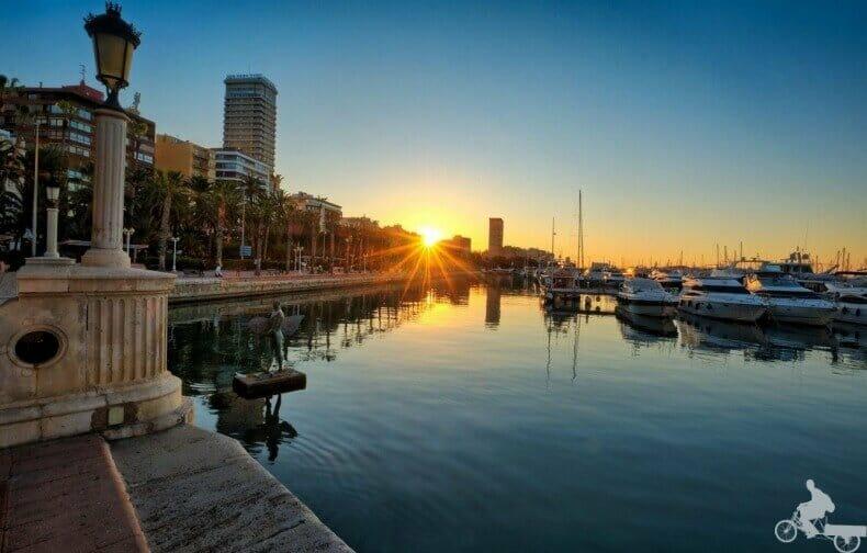 mejores free tours en Alicante de noche