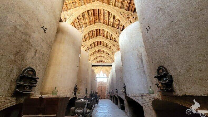 interior catedral del vi de Pinell de Bray