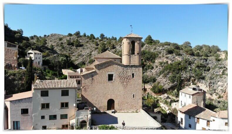 iglesia vieja de Miravet