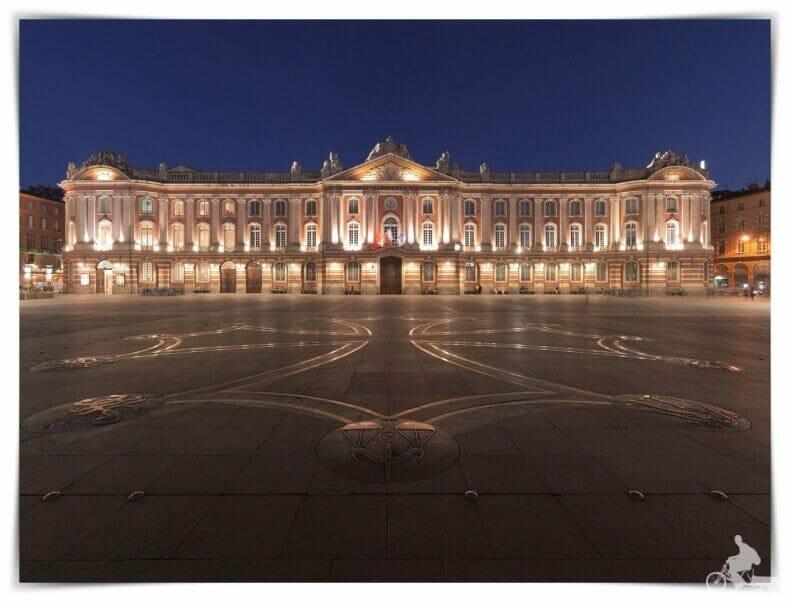 mejores free tours en Toulouse de noche