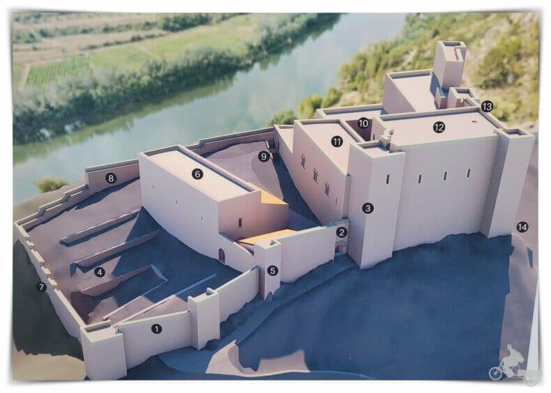 partes del castillo de Miravet