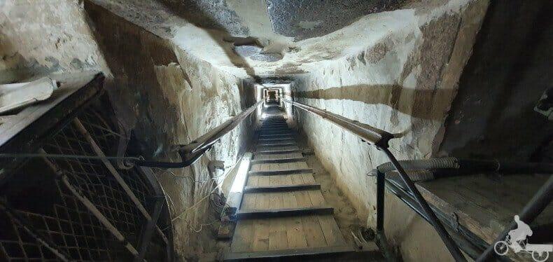 primer ascenso en el interior pirámide de Keops