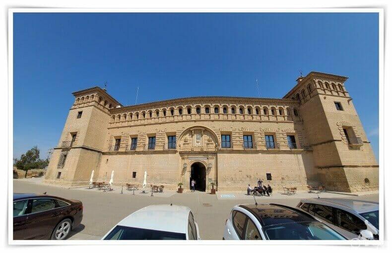 aparcar castillo parador de Alcañiz