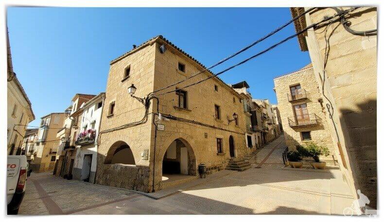 ayuntamiento viejo de Valdeltormo