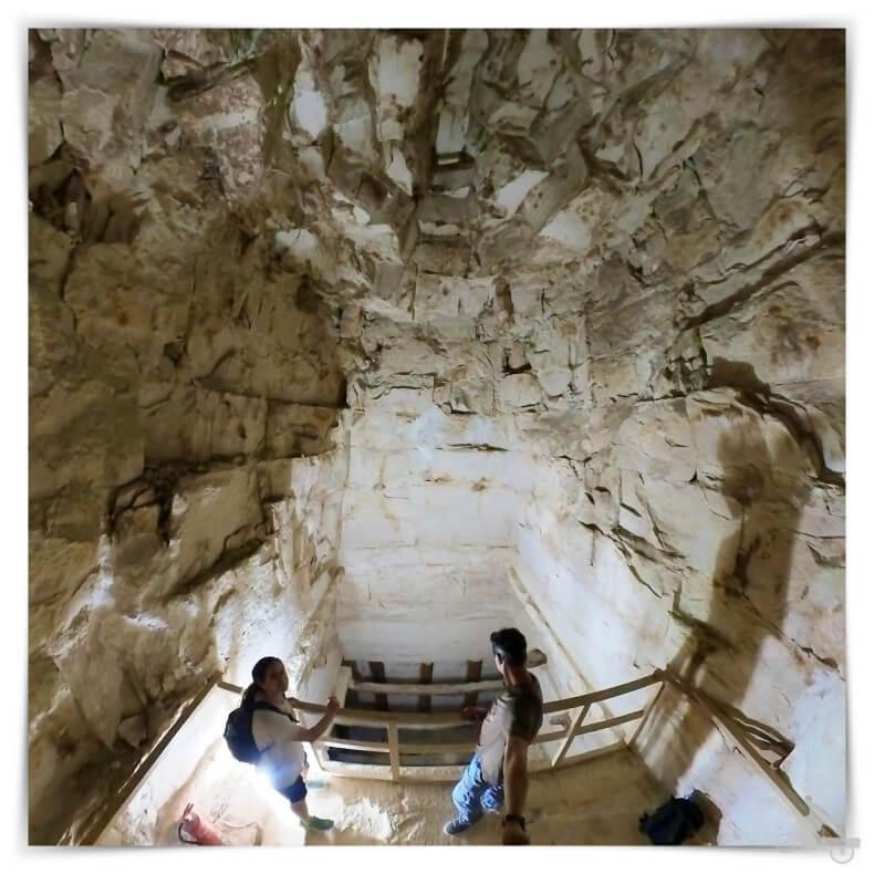 cámara funeraria de Snefru de la pirámide Acodada de Dashur