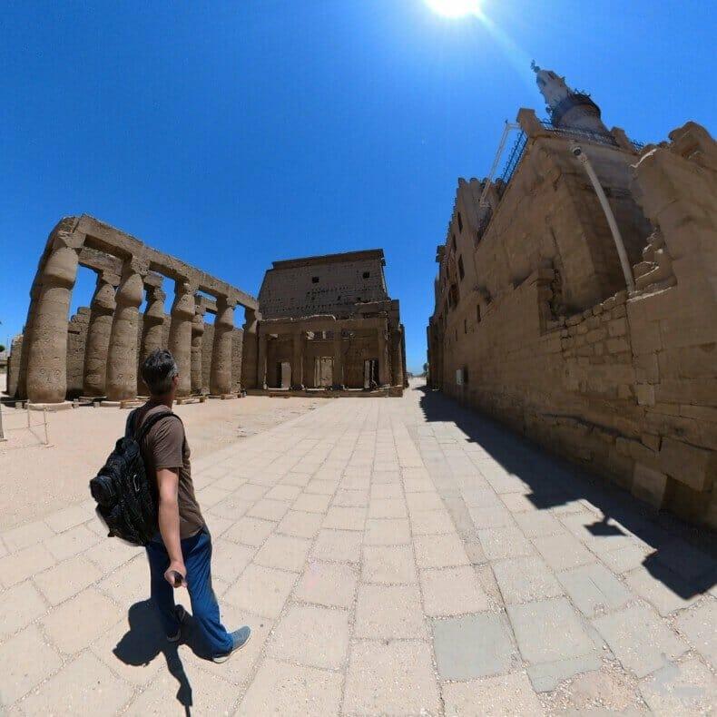 Patio solar de Ramsés II