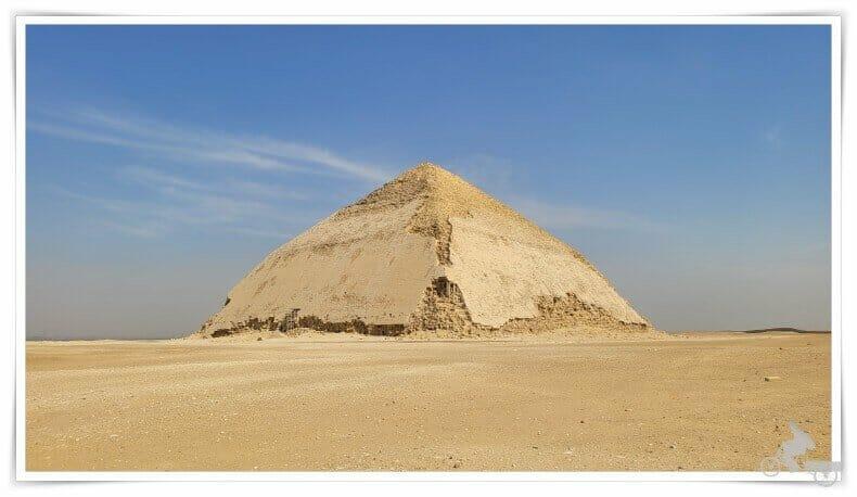 pirámide Acodada Combada o Romboidal