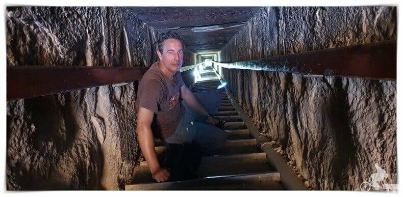 tunel de bajada a las antecámaras