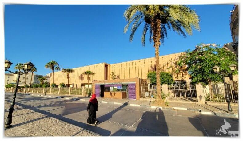 edificio del museo de Luxor