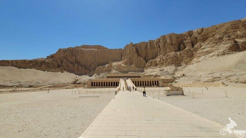 templo de Hatshepsut primer patio