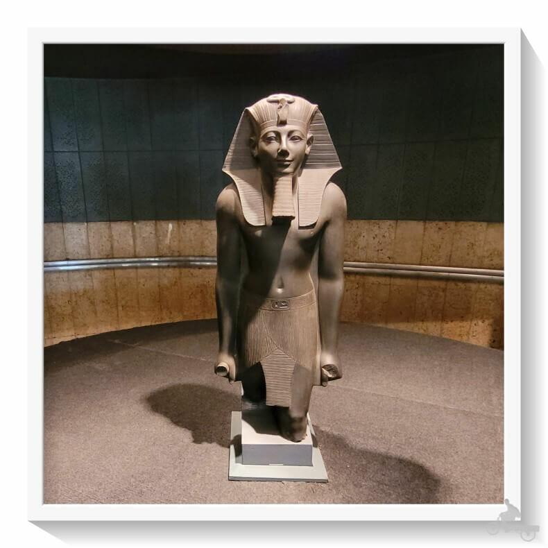 Estatua de Tutmosis III pizarra verde