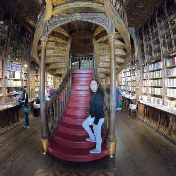 escalera librería Lello de Harry potter